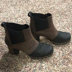 Sorel Chelsea boots size 8.5